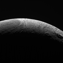 Enceladus văzut de Cassini